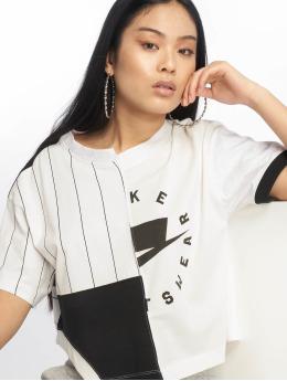 Nike T-Shirt Sportswear weiß