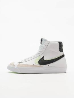 Nike Tennarit Blazer Mid '77 Se (GS) valkoinen