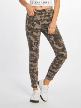 Noisy May Jeans ajustado nmLucy camuflaje