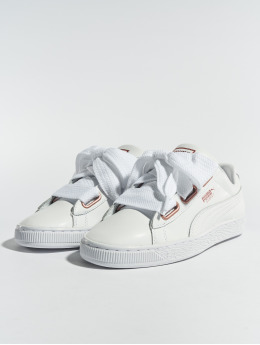 Puma Baskets Basket Heart Leather blanc