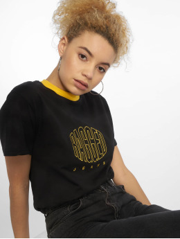 The Ragged Priest t-shirt Embroidery zwart