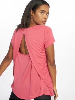 Under Armour Shirts de Sport UA Whisperlight Foldover magenta