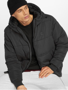 Urban Classics / Gewatteerde jassen Hooded Peach in zwart