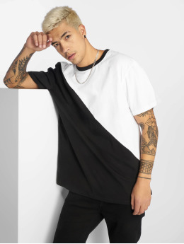 Urban Classics t-shirt Oversize Asymmetric Harlequin wit