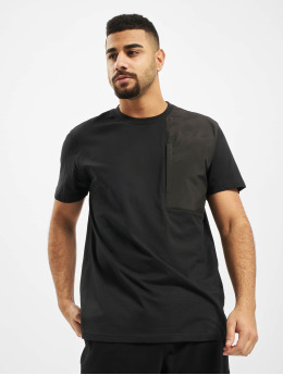 Urban Classics T-skjorter Military Shoulder Pocket  svart