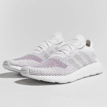 adidas originals Baskets originals Swift Run Primeknit blanc