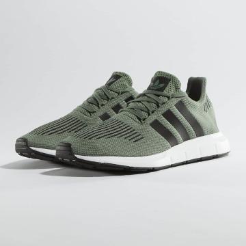 adidas originals Baskets Swift Run vert