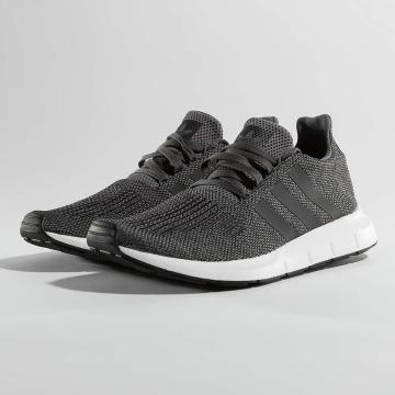 adidas originals Sneakers Swift Run grå