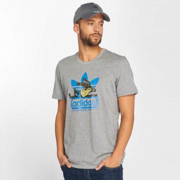 adidas originals T-Shirt Laid Out gray