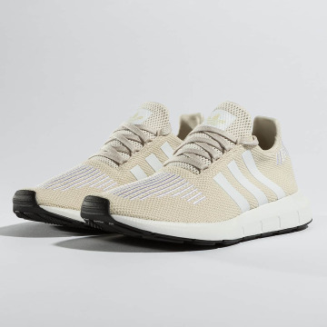 adidas Sneaker Swift Run braun
