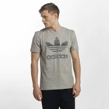 adidas Tričká Traction Trefoi šedá