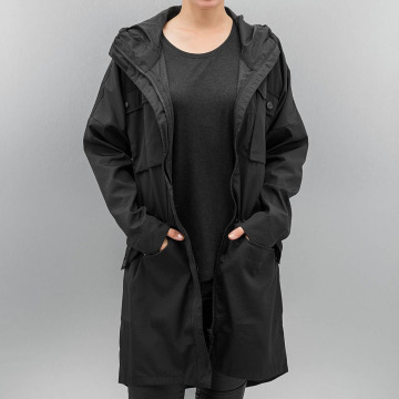 Bench Coats Lacquer black