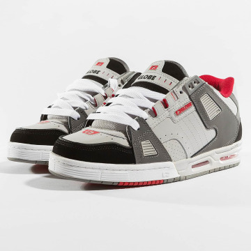 Globe Sneakers Sabre grå