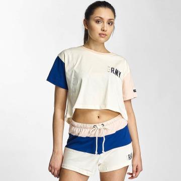 Grimey Wear T-Shirt Wear Walk On By blanc