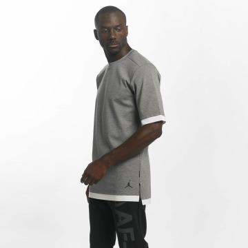 Jordan T-paidat Sportswear Tech harmaa