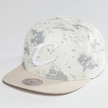 Mitchell & Ness Casquette Snapback & Strapback NBA Space Camo Cleveland Cavaliers blanc