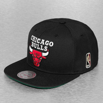 Mitchell & Ness Casquette Snapback & Strapback Wool Solid II Chicago Bulls noir