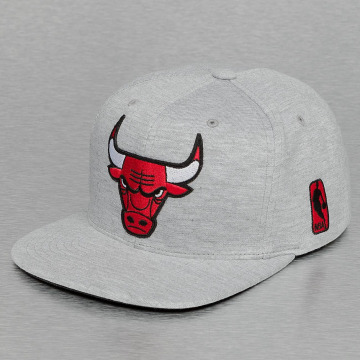 Mitchell & Ness snapback cap Sweat Chicago Bulls grijs