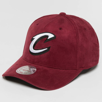 Mitchell & Ness Snapback Cap 110 Curved NBA Cleveland Cavaliers Suede rot