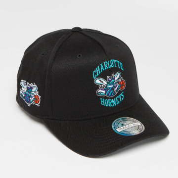 Mitchell & Ness Snapback Cap NBA HWC Eazy 110 Curved Charlotte Hornets schwarz