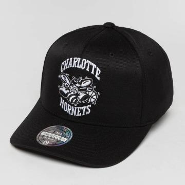Mitchell & Ness snapback cap Black And White Charlotte Hornets 110 Flexfit zwart