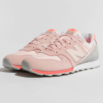 New Balance Baskets WR996 D STG rose