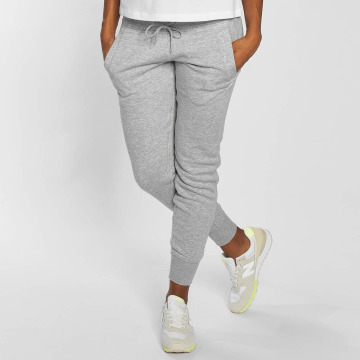 New Balance Jogginghose Essentials grau