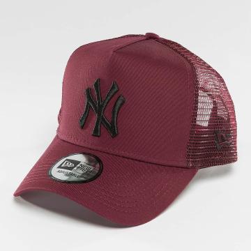 New Era Кепка тракер League Essential NY Yankees красный