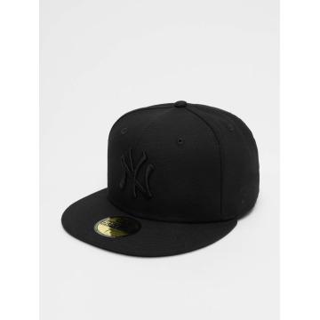 New Era Fitted Cap Black On Black NY Yankees čern