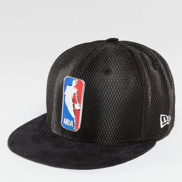 New Era Fitted Cap NBA 17 On Court Logo zwart