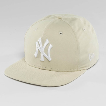 New Era Snapback Cap Lightweight Essential NY Yankees 9Fifty beige