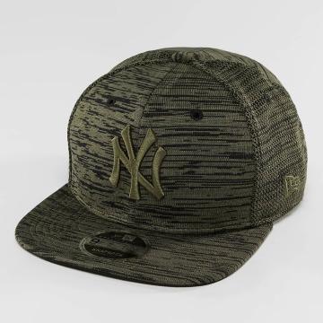 New Era Snapback Cap Engineered Fit NY Yankees 9Fifty olive