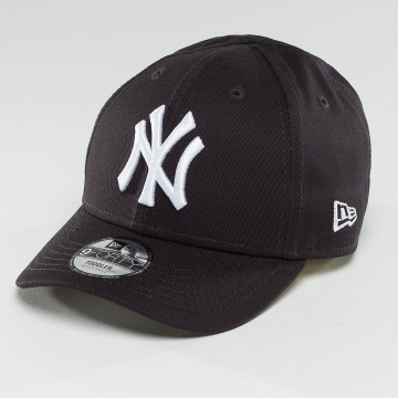 New Era Snapback Cap Essential NY Yankees 9Forty schwarz