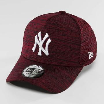 New Era Snapback Caps Engineered Fit NY Yankees 9Fifty červený