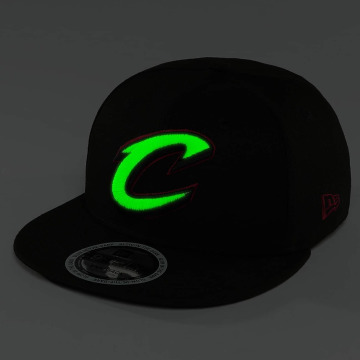 New Era Snapback Caps Team GITD Basic Cleveland Cavaliers 9Fifty musta
