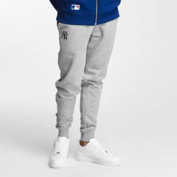 New Era Spodnie do joggingu NY Yankees szary