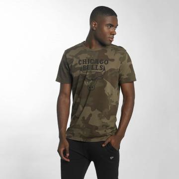 New Era t-shirt BNG Chicago Bulls Graphic olijfgroen
