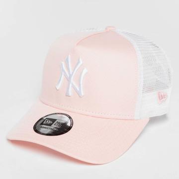 New Era trucker cap League Essential NY Yankees pink