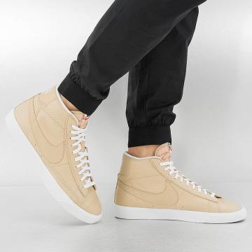 Nike Baskets Blazer Mid-Top Premium beige
