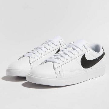 Nike Baskets Blazer Low Le Basketball blanc