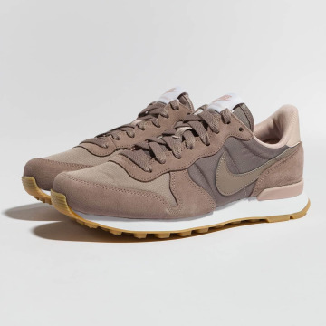 Nike Baskets Internationalist brun
