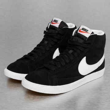 Nike Baskets WMNS Blazer Mid Suede noir