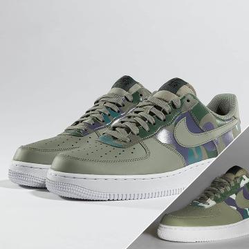 Nike Baskets Air Force 1 07' LV8 vert