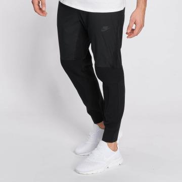 Nike joggingbroek Sportswear Tech Knit zwart