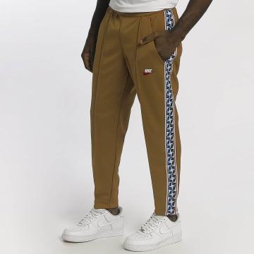 Nike Jogginghose Sportswear braun