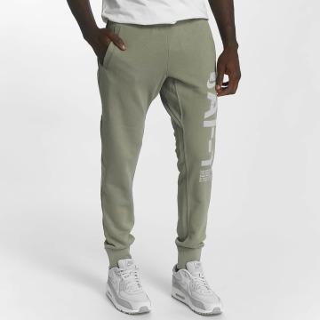 Nike Jogginghose Sportswear grün