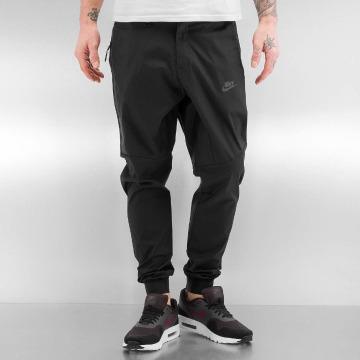 Nike Pantalon chino Sportswear Bonded noir