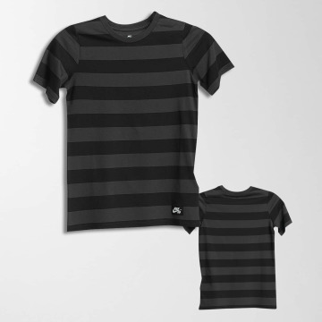 Nike SB T-paidat Boys harmaa