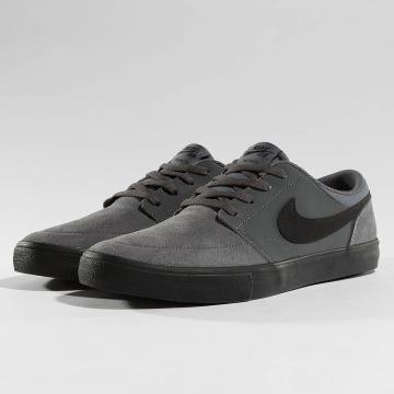 Nike SB Zapatillas de deporte SB Solarsoft Portmore ll gris