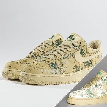 Nike Sneaker Air Force 1 07' LV8 goldfarben